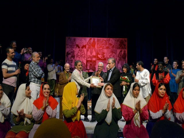مراسم بزرگداشت محمود بصیری در سنگلج برگزار شد