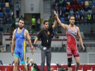 پیروزی میلیمتری محمدی در گام نخست
