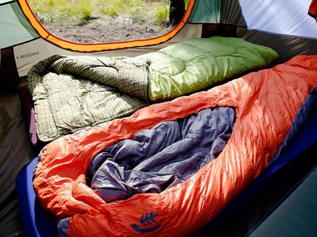 کیسه خواب چیست + انواع کیسه خواب مسافرتی و کمپ