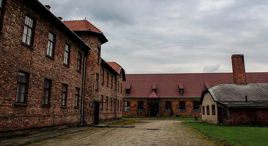 تور لهستان