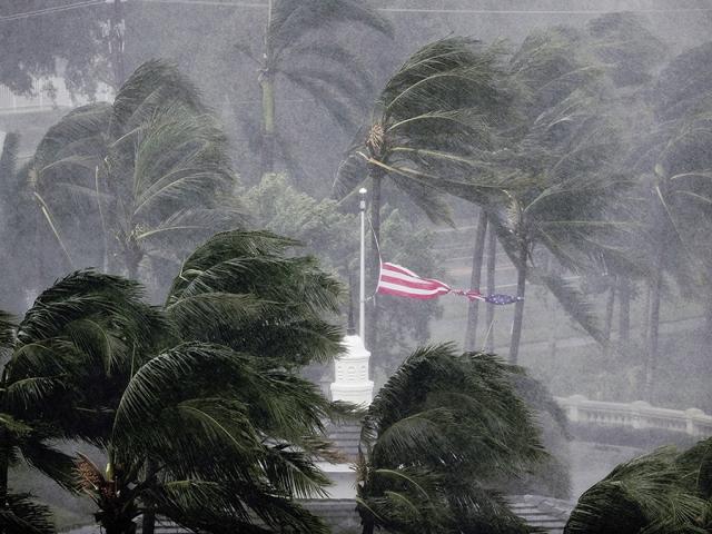 علت طوفان های آمریکا چیست؟
