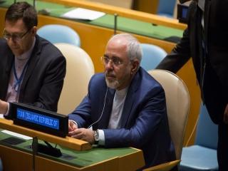 ظریف: تهران هیچ توافق بین المللی را نقض نکرده است/ برای دفاع از جمعیت 80 میلیونی خود نیازمند موشک هستیم