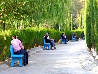 دوست دختر و دوست پسر ، چالش اجتماعی ایران