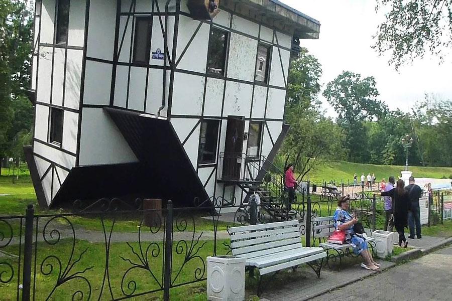 خانه ی واژگون در کالینینگراد