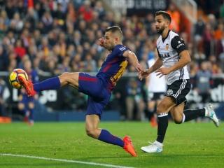 والنسیا 1-1 بارسلونا؛ توپ از زمین بارسا بیرون رفت