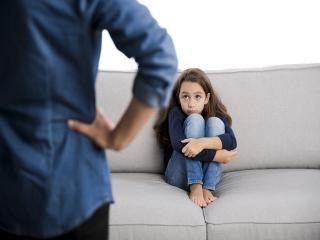 دلیل اینکه کودک در جمع تغییر رفتار می دهد چیست
