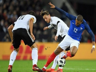 فرانسه برد را از دست داد/برای آلمان فوتبال بیشتر از 90 دقیقه است