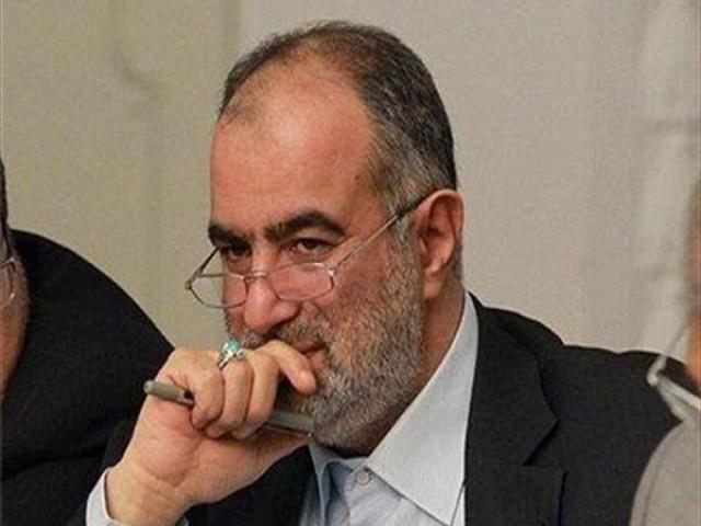 واکنش آشنا به حمایت احمدینژاد از بستنشینی یارانش