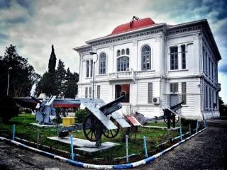 موزه و مردابهای زیبای انزلی