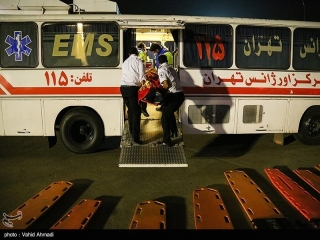 ورود پنجمین گروه از مصدومان زلزله کرمانشاه به فرودگاه مهرآباد