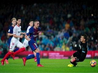 بارسلونا 2 - 1 سویا  ; تداوم پیروزیهای بارسلونا با گلهای آلکاسر