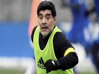 مارادونا: من باید بیش از مسی و رونالدو توپ طلا میبردم