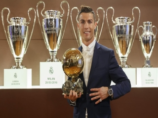 رونالدو: دوست دارم هر سال توپ طلا را ببرم