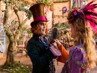 فیلم آلیس آنسوی آینه