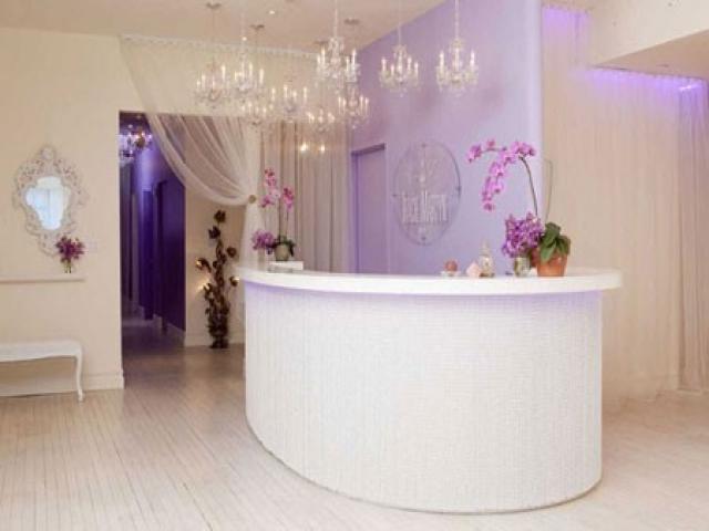طراحی دکور آرایشگاه زنانه