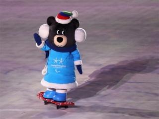 پارالمپیک زمستانی 2018| رژه کاروان ایران با پرچمداری اسکیباز نابینا در مراسم افتتاحیه