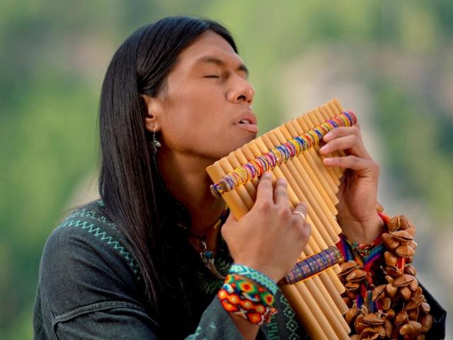 (بیوگرافی پسر خورشید ، لئو روخاس (نوازنده ساز