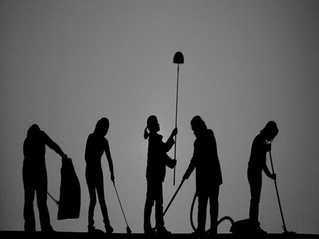 استخدام خدمتکار و نظافتچی