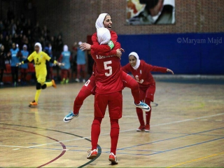 ایران 5 - 2 اوکراین ; غوغای محمدصلاح و مهناز افشار در سالن هندبال !