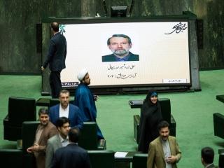 لاریجانی با 147 رای رییس مجلس ماند/ ابقای پزشکیان و مطهری در نایب رییسی