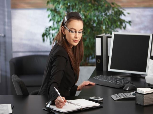 استخدام مسئول دفتر
