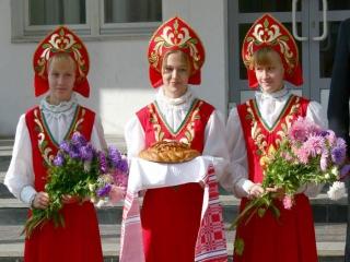 فرهنگ، پوشش و زندگی و آداب و رسوم مردم روسیه