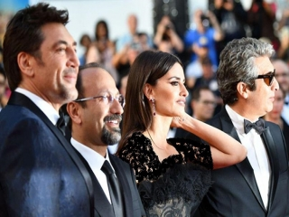 اصغر فرهادی و بازیگرانش جشنواره کن را افتتاح کردند