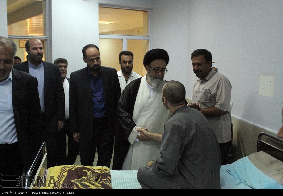 آسمونی - عیادت امام جمعه تبریز از جانبازان اعصاب و روان فجر تبریز