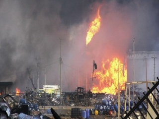 یک کشته و 18 مصدوم؛ آخرین آمار از آتشسوزی پتروشیمی آبادان