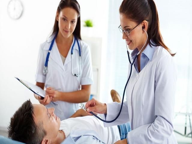 استخدام دستیار پزشک