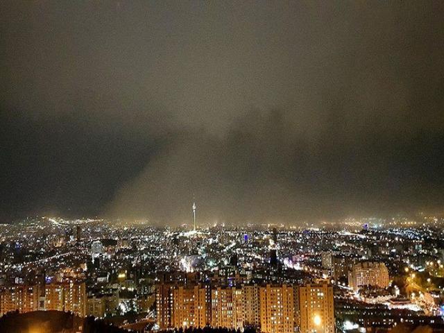 طوفان در تهران 18 نفر را مصدوم کرد