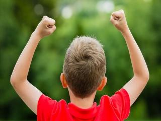 راه هایی برای نگه داشتن عزت نفس کودکان