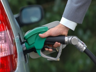 زمزمه های گران شدن بنزین