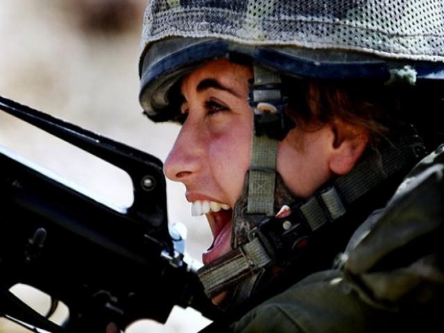 وقتی دخترها به سربازی می روند