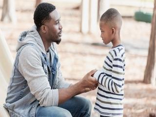 چگونه رفتار کنیم تا فرزندمان به حرف ما گوش کند