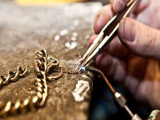استخدام طلا و جواهر ساز