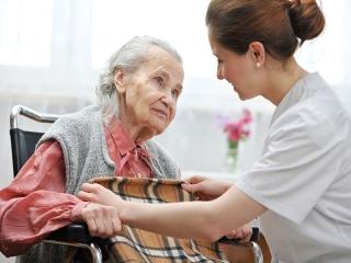 استخدام نگهدار سالمند و کودک