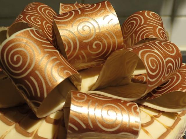 زرورق شکلات چیست + طرز تهیه استفاده از آن