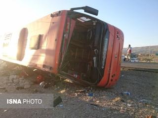 دو کشته و 30 مصدوم در تصادف اتوبوس دانشآموزان دختر / اتوبوس مربوط به کاروان راهیان نور بود