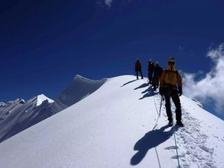 29 مهر ، روز کوهنورد