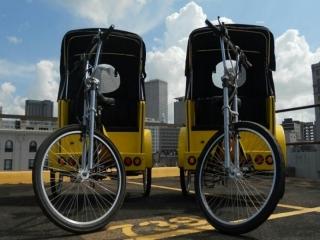 تاکسی دوچرخه وارد می شود