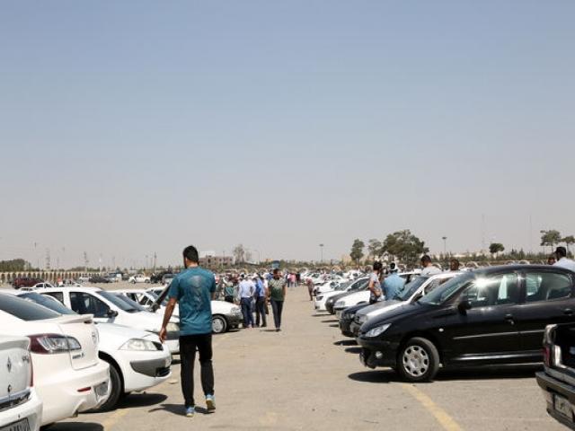 اعلام قیمت خودرو تا هفته آینده/ تأثیر کاهش نرخ ارز بر قیمتها خودش را نشان میدهد