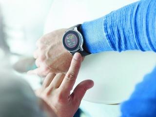 اولین ساعت مچی هوشمند جهان که فشار خون را اندازهگیری میکند