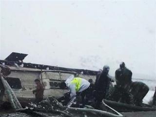 3 کشته و 8 زخمی در واژگونی اتوبوس مسافری در اتوبان ساوه - همدان
