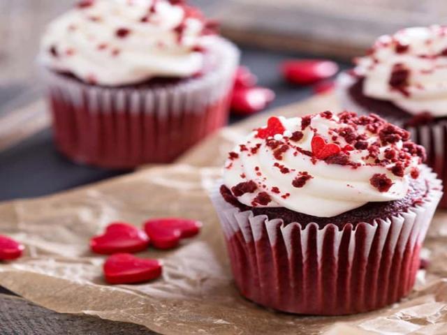 طرز تهیه کاپ کیک قرمز برای روز عشق