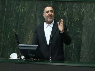 ماجرای ارسال پیامک توهین آمیز به نمایندگان مجلس / لاریجانی: وزارت اطلاعات پیگیری کند