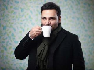 احسان علیخانی مجری ویژهبرنامه تحویل سال 98 شبکه سه شد