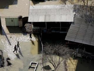 تازهترین اخبار سیلاب گلستان   آسیب به 2000 خانوار کمیته امداد / تخلیه سیلاب نیمی از آققلا / نبود امکان امدادرسانی با بالگردها