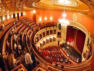 اپرا ، آمیزهای از موسیقی و نمایش