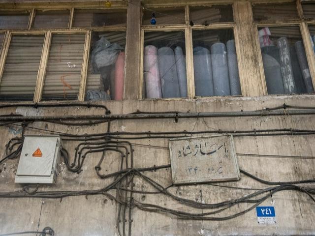 تراکم کولرهای گازی در بازار تهران و اعلام خطر آتش نشانی
